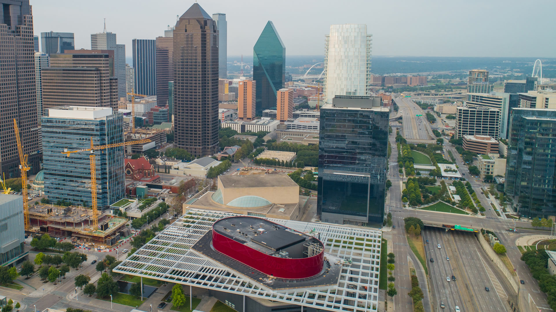 Dallas Arts District is considered as the largest urban entertainment complex in the nation.