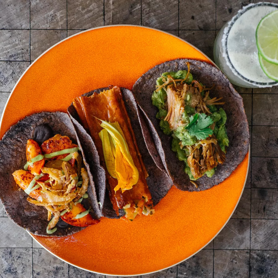 Sample Tacos at El Tizoncito